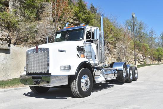 2020 Kenworth T800 8x4 Tractor