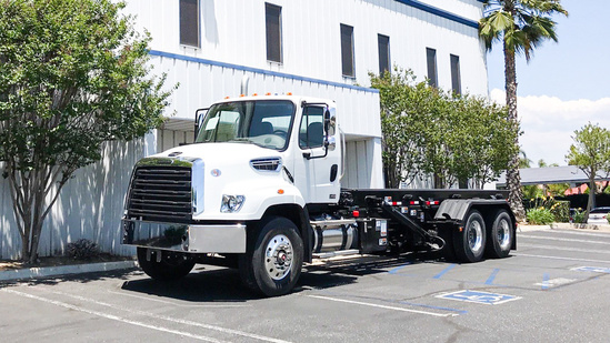 AMREP AMRO-H-22 Roll Off on 2020 Freightliner 114SD 6x4